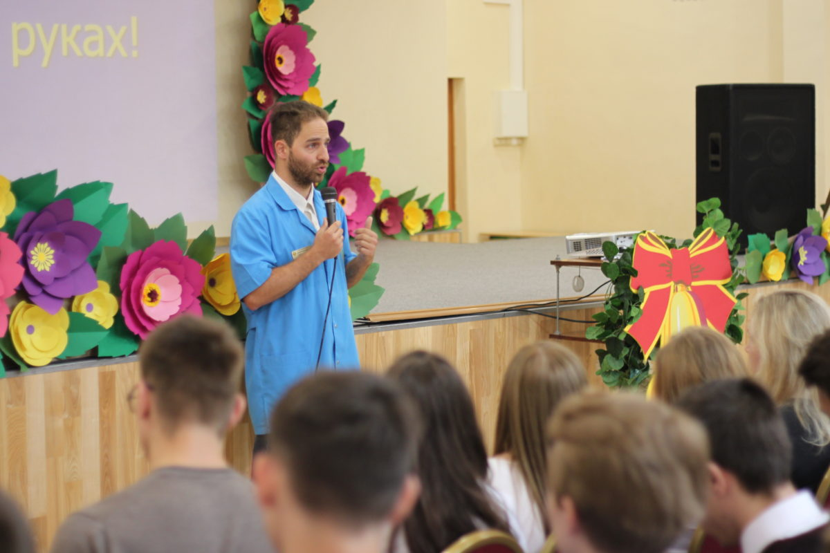 6 сентября в рамках акции «Здоровье – твое богатство» сотрудники Талдомской ЦРБ провели лекцию «Об основах здорового образа жизни» воспитанникам средней общеобразовательной школы № 2 г.Талдом.